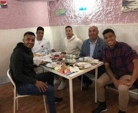 Robinson Martínez junto a los jugadores de la selección absoluta Dominicana