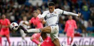 Mariano Díaz en acción con el Real Madrid (2016)