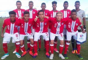 Peter González con la selección dominicana sub-15